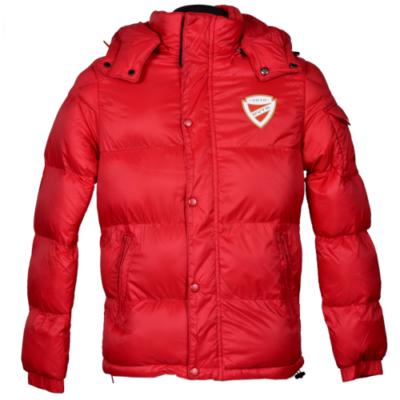 Piros téli kabát kapucnival